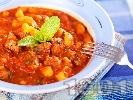 Рецепта Яхния от агнешко задушено месо с картофи, пресен зелен лук и домати от консерва